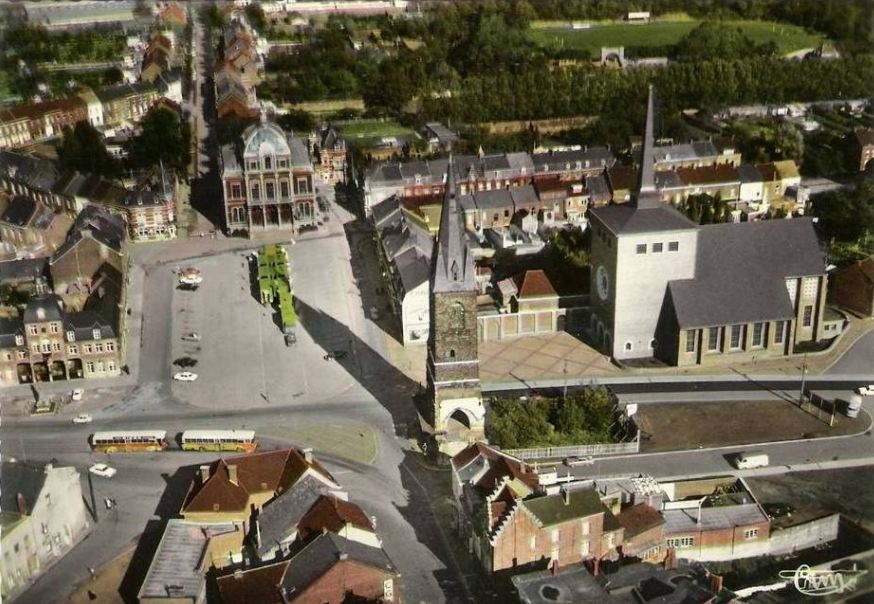 Saint-Ghislain : Panorame de la Grand'Place.