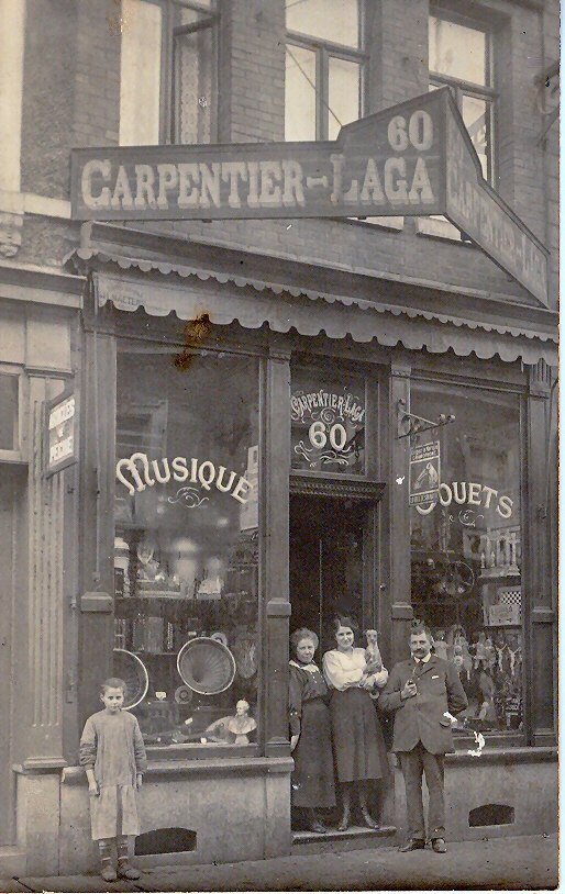 Saint-Ghislain : Commerce Carpentier Grand rue.